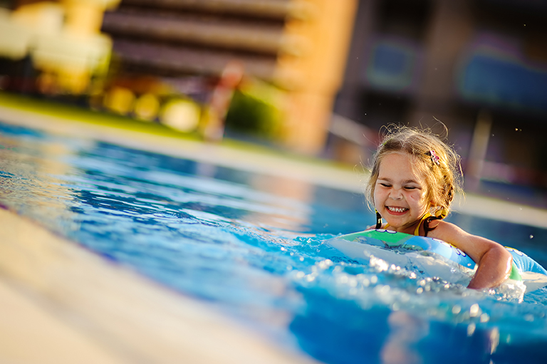 Children s swimming lessons for Swimming pool lessons for kids